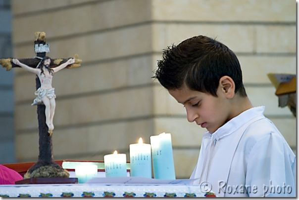 Enfant de choeur - Eglise Saint Georges - Choirboy - Saint Georges church - Ankawa - Ainkawa - Einkawa